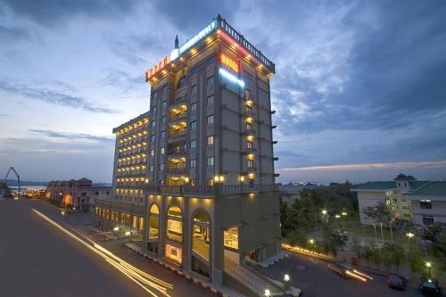 Harbour Bay Amir Hotel