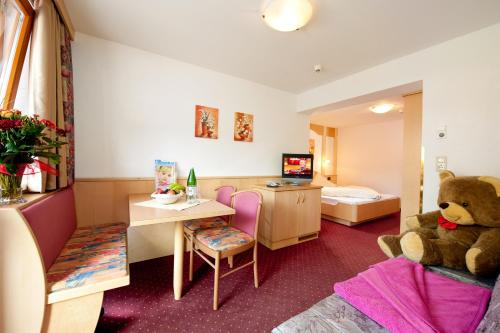 Family Suite (2 Adults + 2 Children) B