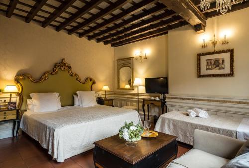 Junior Suite with Extra Bed Hotel Casa 1800 Granada 40