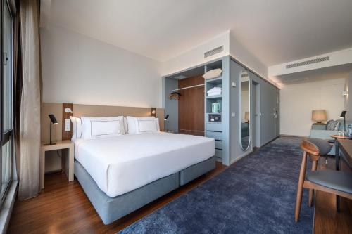 Tryp Lisboa Oriente Hotel - Photo 5 of 30