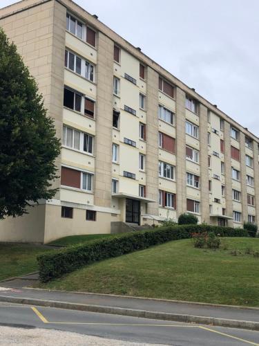 Loger Thine chambre 1 - Location saisonnière - Beauvais