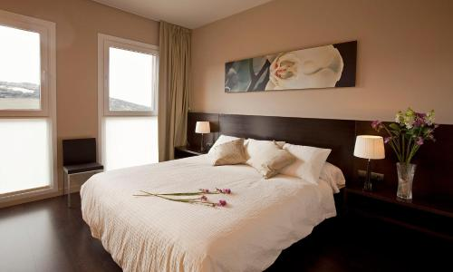Double or Twin Room with Mountain View Hotel Valdorba 2
