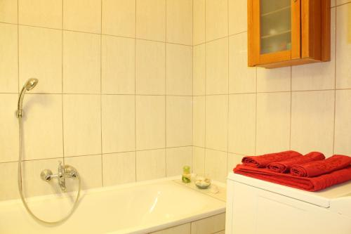 Sunny and Beautiful Apartment salas fotos