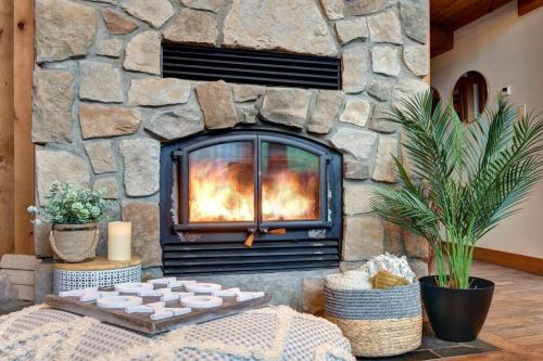 LOG CABIN w HOT TUBE, BEACH access, near of TREMBLANT - Chalet - Labelle