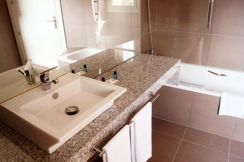 Double or Twin Room with Mountain View Hotel Valdorba 3