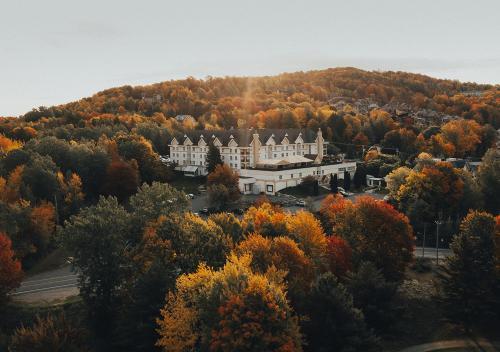 Hôtel Château Bromont - Hotel