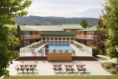 Days Inn By Wyndham Penticton Conference Centre - Photo 6 of 81