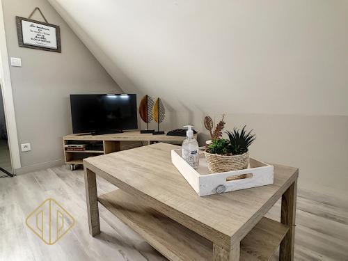 Appart-hotel refait à neuf, climatisé, prox comm - Location saisonnière - Brive-la-Gaillarde