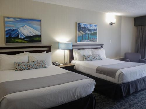 Standard Queen Room with Two Queen Beds - Pet Friendly
