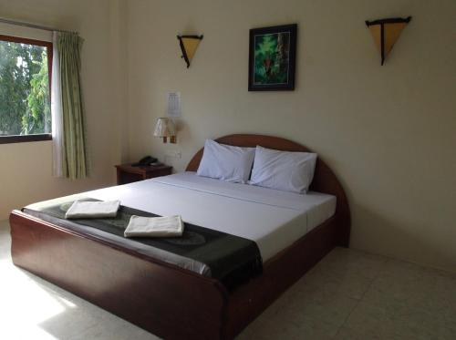 Koh Kong City Hotel room photos