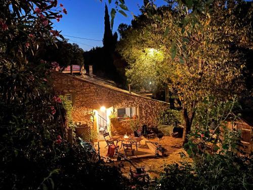 Jolie annexe du mas dans le cœur de la garrigue nîmoise - Location saisonnière - Nîmes