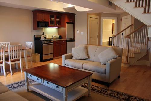 Atlantic House Inn - York, ME 03909