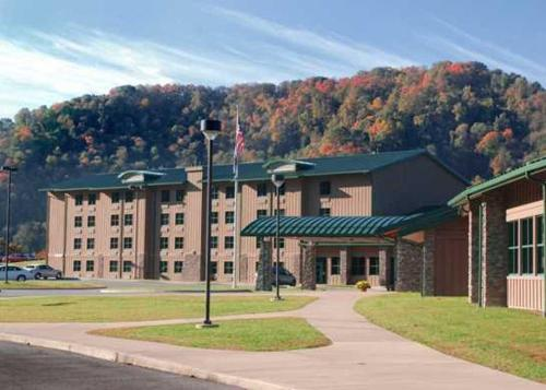 Chief Logan Lodge Hotel & Conference - Accommodation - Logan