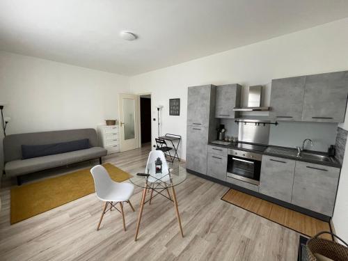 Ampio Monolocale comodo a Trasporti e Servizi - Apartment - Volpiano