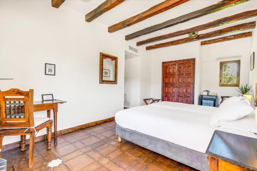 Zweibettzimmer Hotel Castillo de Monda 11
