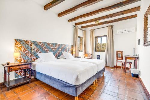 Zweibettzimmer Hotel Castillo de Monda 12