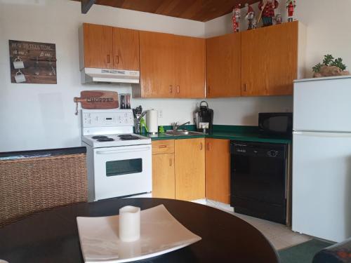 Big White Village center 2 Bedroom - Apartment - Big White