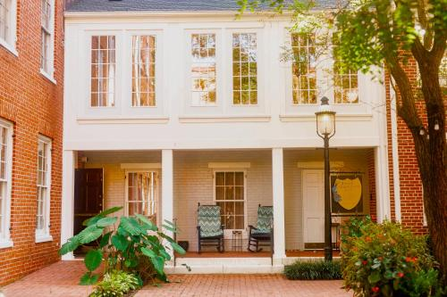 1840s Carrollton Inn - Accommodation - Baltimore