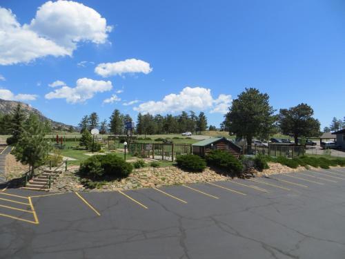Blue Door Inn - Estes Park, CO 80517