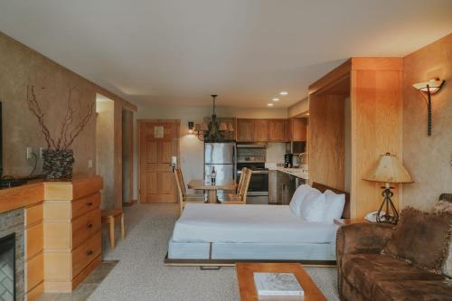 Shoshone Condos at Big Sky Resort - Accommodation - Big Sky