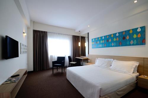 Starcity Hotel - Photo 4 of 22