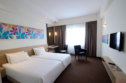 Starcity Hotel - Photo 3 of 22