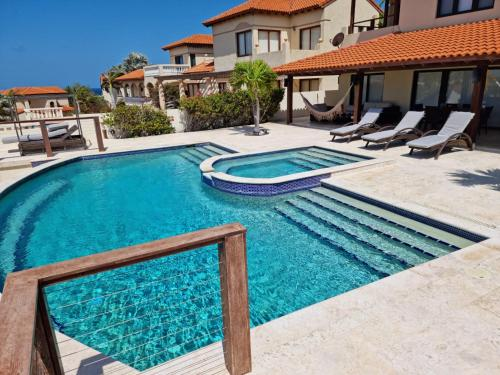 luxurious house with private pool in tierra del sol Resort&Golf