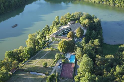. Domaine du Châtelard