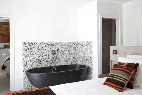 Deluxe Double Room with Bath Ibizazen 4