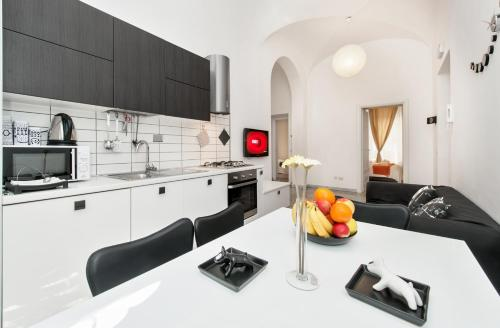 Apartment Black & White