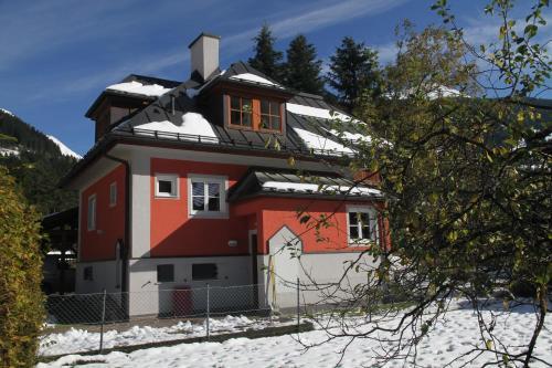 Villa Schnuck - das rote Ferienhaus Bad Gastein