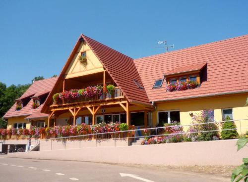 Accommodation in Sainte-Croix-en-Plaine
