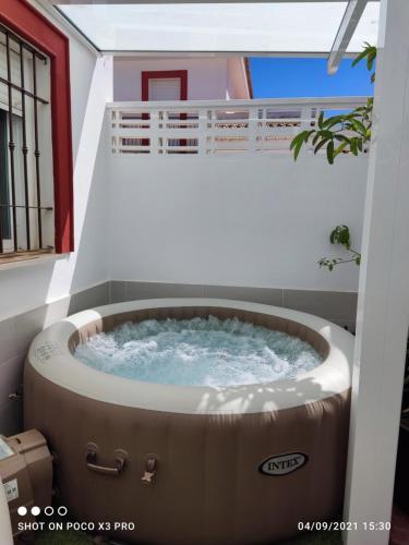 Chalet adosado de 3 habitaciones, 3 baños, parking - Apartment - Almogía