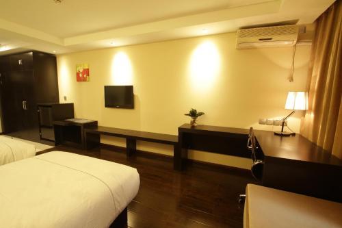 Beijing Red Hotel impression