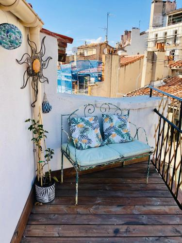 Joli studio avec terrasse Cours Julien/Noailles