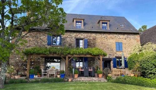 La Maison Bleue - Accommodation - Juillac