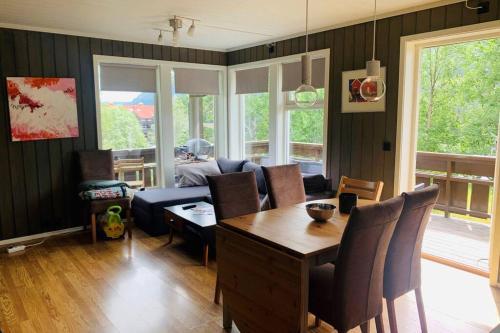 Super sentral, flott og solrik leilighet i sentrum - Apartment - Hemsedal