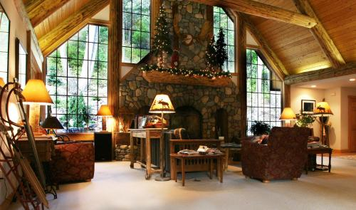 Hidden Moose Lodge - Whitefish, MT 59937