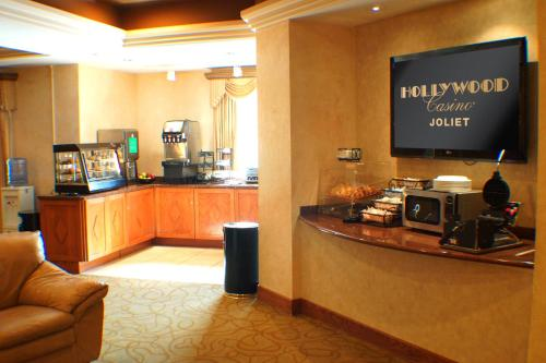 Hollywood casino joliet vip lounge
