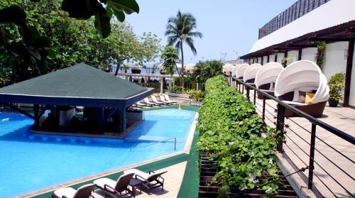 One Rizal Park, Ermita, 0913 Manila, Philippines.