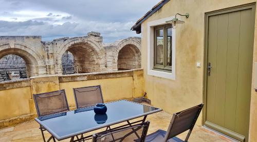 Studio avec terrasse sur l'Amphithéâtre (arènes) - Location saisonnière - Arles