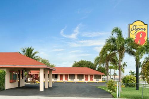 Super 8 By Wyndham Florida City/Homestead/Everglades