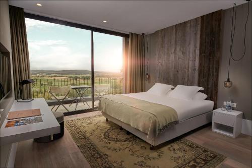 Dali Room Hotel Castell d'Emporda 5