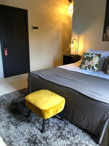 Standard  Room Hotel Castell d'Emporda 1