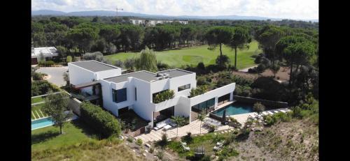 Luxury House PGA Catalunya Golf Resort - Accommodation - Caldes de Malavella