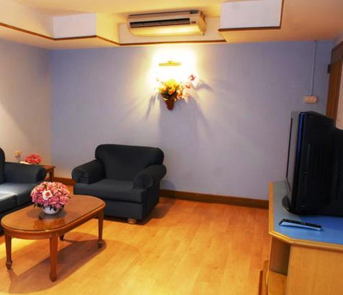 Silom Village Inn photo 11