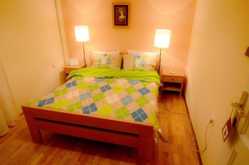 Chambre Double avec Salle de Bains Commune (Double Room with Shared Bathroom)