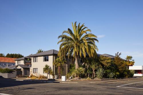 Blenheim Palms Motel - Photo 1 of 96