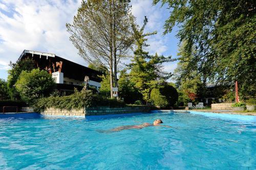 . Stoll's Hotel Alpina