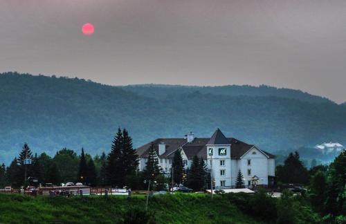 AX Hotel - Mont Tremblant